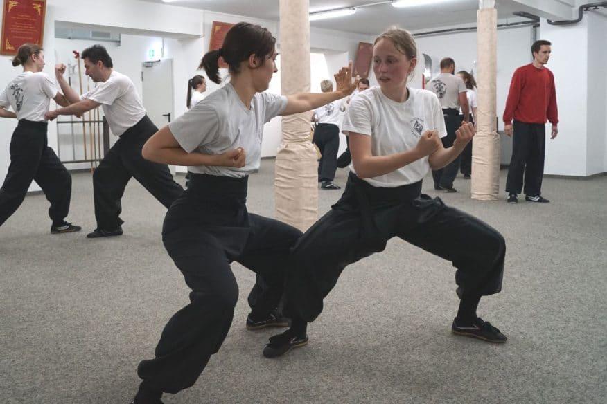 Kung Fu Frauen Training Fortgeschrittenen