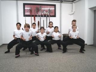 Horse-Stance der Kinder für die Kung Fu Schule München